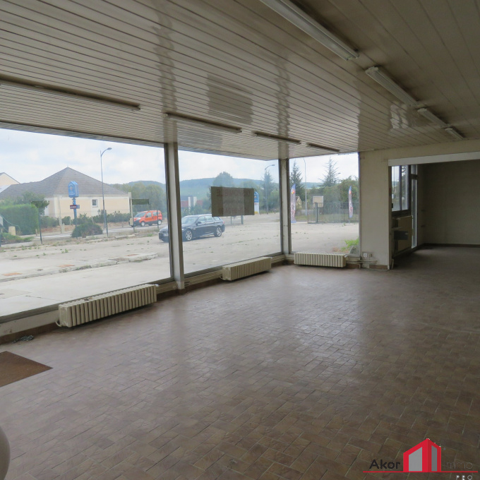 Location Immobilier Professionnel Local commercial Chablis (89800)